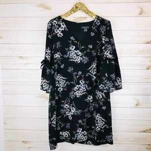 NWT Jessica Howard Floral Print Bell Sleeve Dress